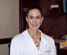Suzanne Fiscus : M.D.
